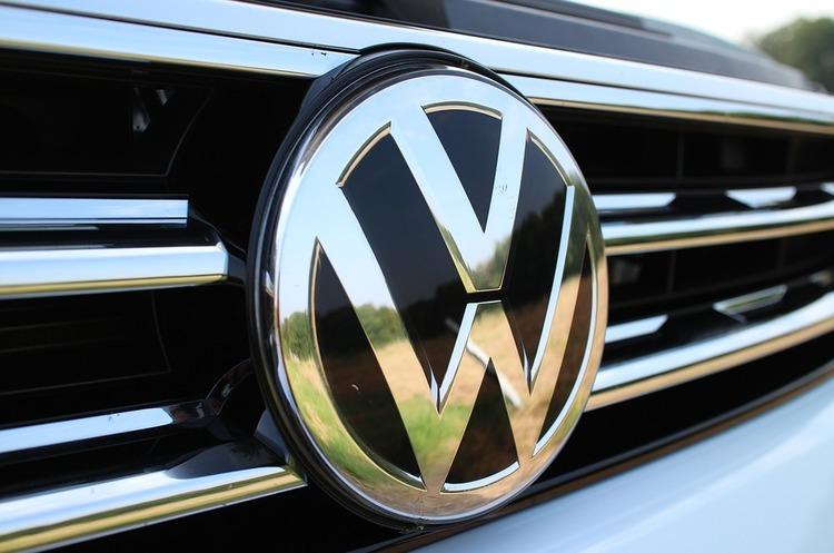 Volkswagen заборонив продаж своїх автобусів, вантажівок та спецтехніки в Крим