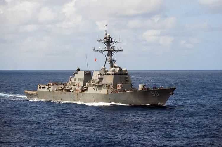Китай вважає, що міноносець США порушив його морський кордон