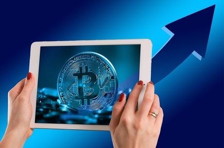 Віртуальні інвестиції: як виводити токени на біржу