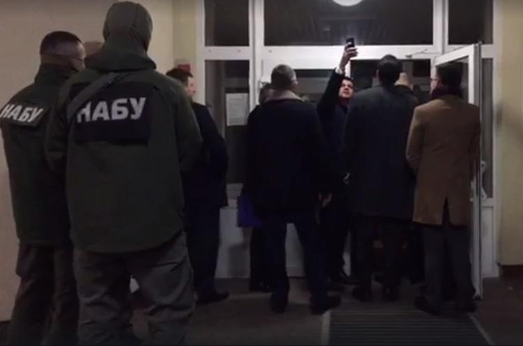 НАБУ і САП затримали замміністра оборони та директора департаменту держзакупівель Міноборони