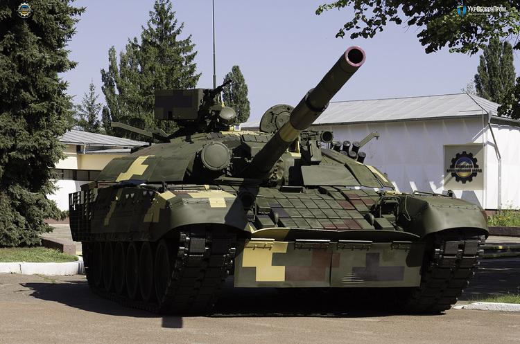 Порошенко: армія отримає 200 одиниць зброї та техніки