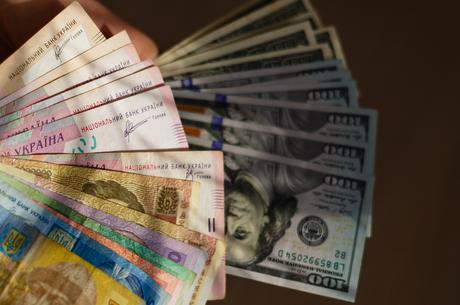 Курси валют: до кінця року долар буде в межах 27,0-27,8 гривень