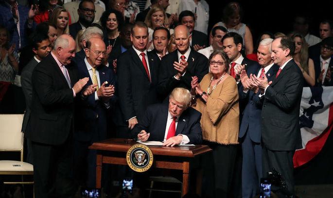 США відновили прийом біженців, але посилили перевірки