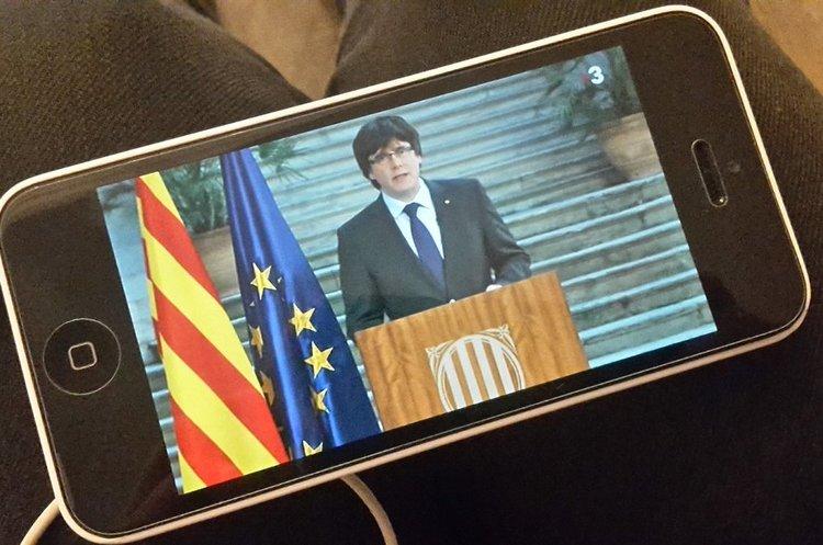 Пучдемон закликає каталонців до мирного «демократичного протистояння»