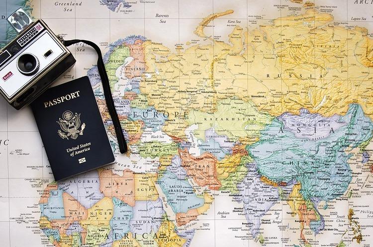«Платний безвіз»: ЄС планує змінити правила в'їзду для українців