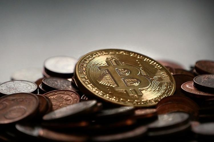 Депутати пропонують не оподатковувати криптовалюти