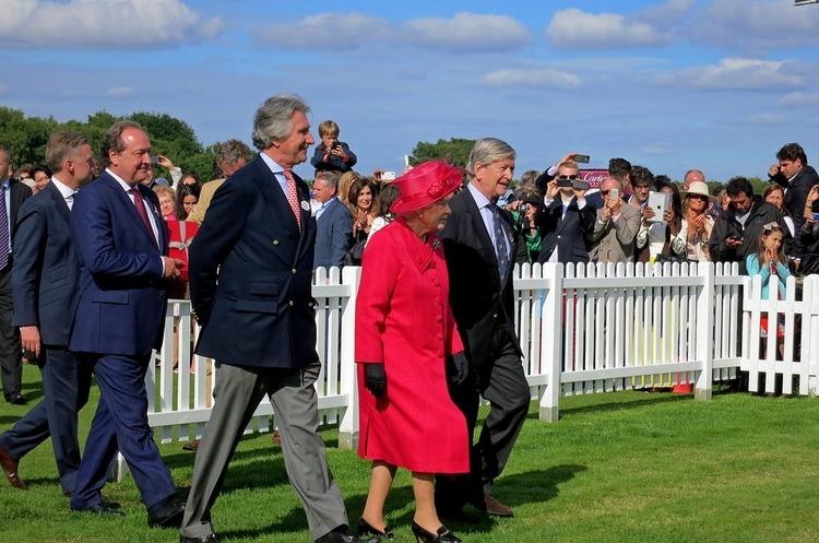 Paradise Papers: у королеви Великої Британії знайшли $13 млн в офшорах