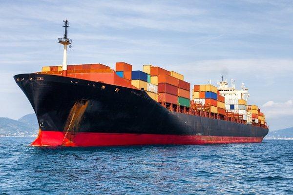 У Китаї спустили на воду перше електричне вантажне судно