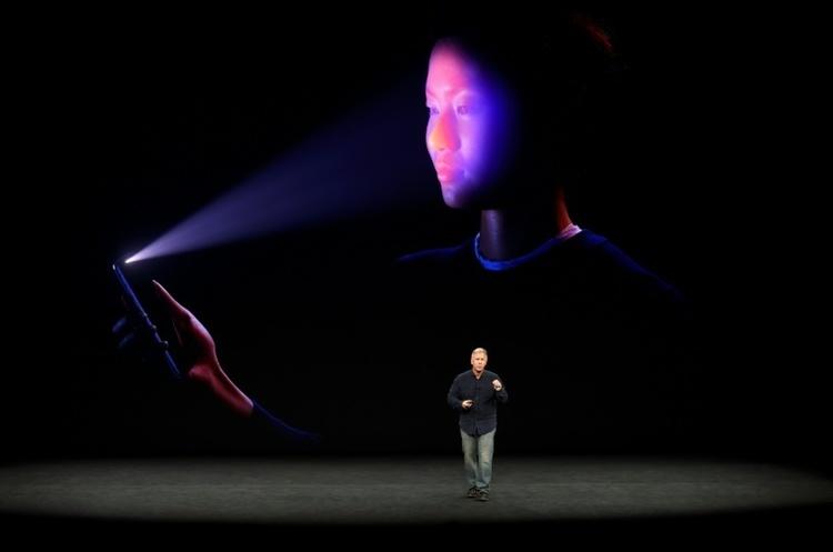 Як насправді бачить функція Face ID ваше обличчя в iPhone X (не для людей зі слабкими нервами)
