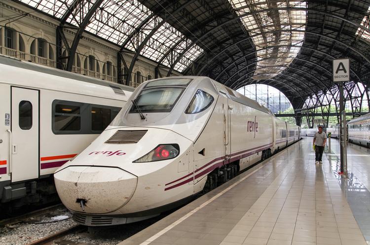 «Укрзалізниця» планує пришвидшити потяги