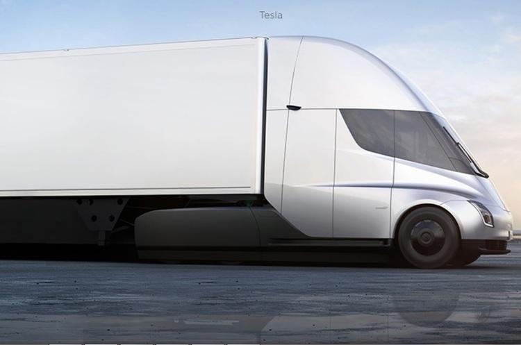 Стало відомо, скільки буде коштувати електрофура Tesla Semi і броня на неї