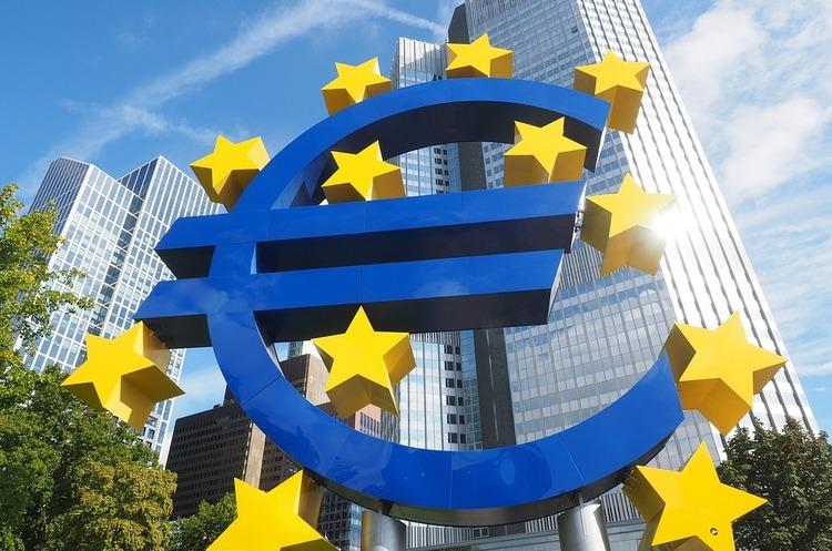 ЄЦБ закликав банки прискорити впровадження миттєвих платежів, щоб протистояти біткойну