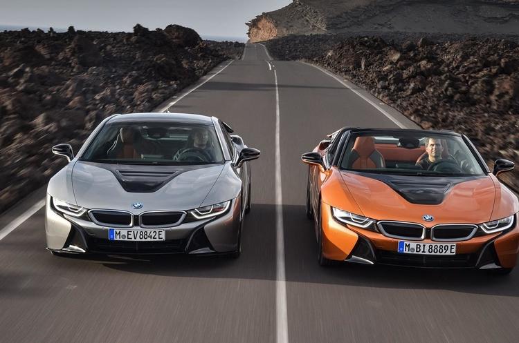 BMW показав довгоочікувані спорткари i8 Roadster та i8 Coupe