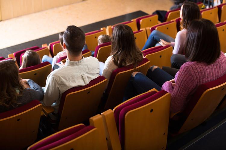 Британский Cineworld Group Plc придбає американського конкурента Regal Entertainment Group за $3,6 млрд