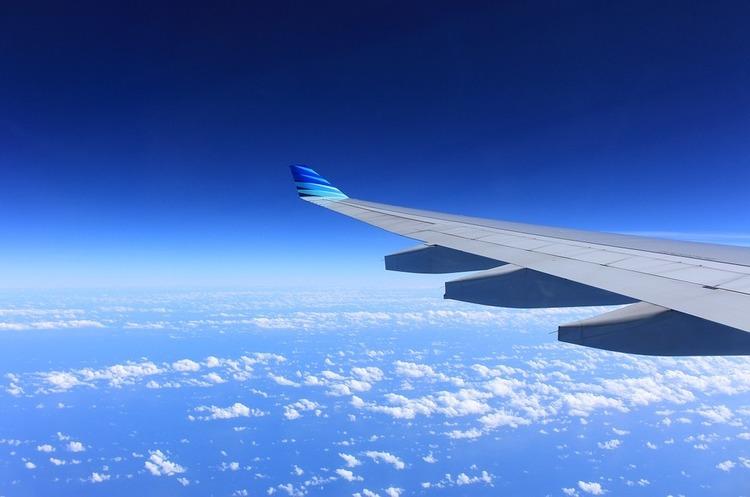 Авіалініям доводиться змінювати напрямки своїх рейсів через ракетну загрозу з боку КНДР