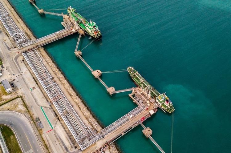 Китайська Sinopec подала до суду на венесуельську нафтову компанію PDVSA за борги