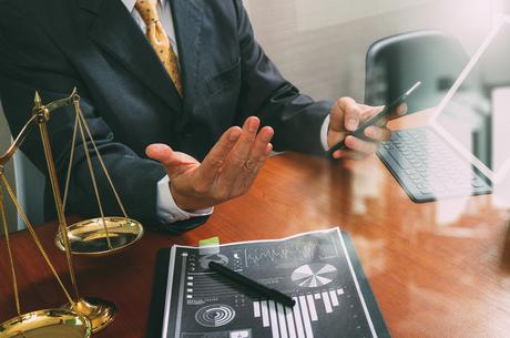 Рефері чи посередник: якими є особливості вирішення спорів за участю судді