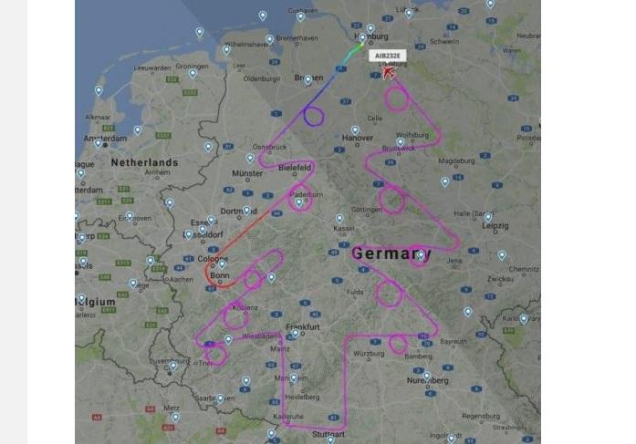 Літак Airbus «намалював» у небі над Німеччиною гігантську ялинку