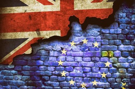 Другий етап переговорів щодо Brexit буде значно важчим за перший – Юнкер
