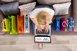 Скільки витратили українці у 2017 році на закордонний онлайн-шопінг