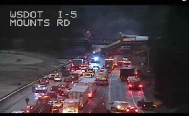 Є постраждалі врезультаті сходу зрейок поїзда вштаті Вашингтон