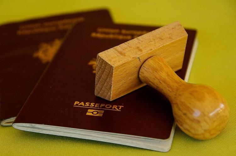Британія повернеться до своїх традиційних паспортів після Brexit