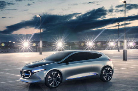С прогрессом наперегонки: Mercedes-Benz будет продавать в Украине электромобили