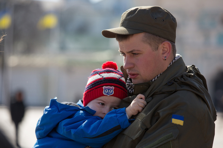 Посттравматичний синдром: як повернути до мирного життя демобілізованих воїнів АТО та звільнених бранців