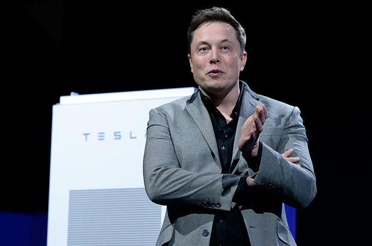 Tesla планує випустити повністю електричний пікап