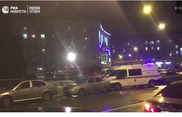 У магазині Петербурга вибухнула бомба, постраждало 10 осіб