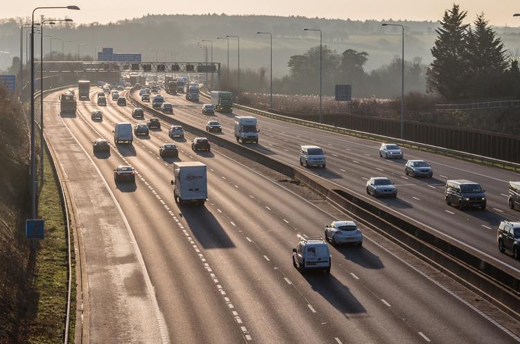 Дороги Естонії з 1 січня стали платними для автомобілів, які важать більше 3,5 тонн