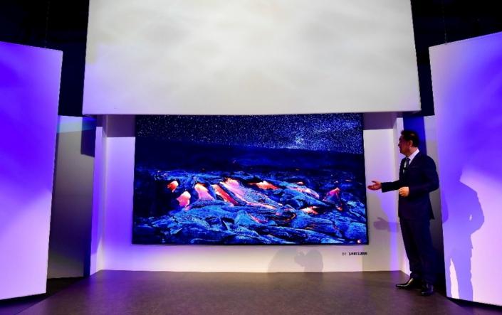 Samsung представив перший у світі 146-дюймовий модульний телевізор