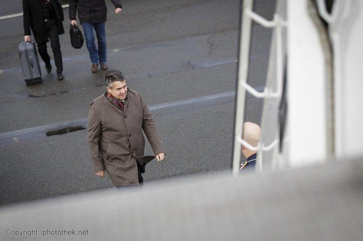 Глава МЗС Німеччини закликає поступово зняти санкції зРосії