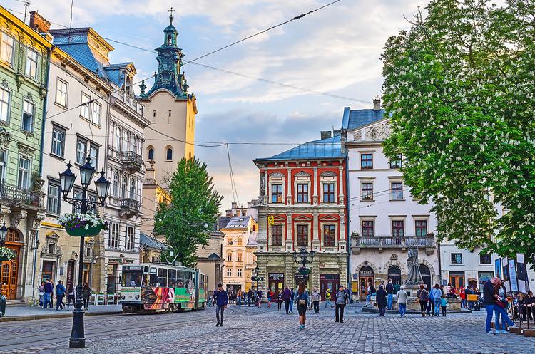 Протягом 2017 року туристи лишили у Львові 615 млн євро