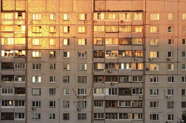 Продажі столичних квартир впали на 40%