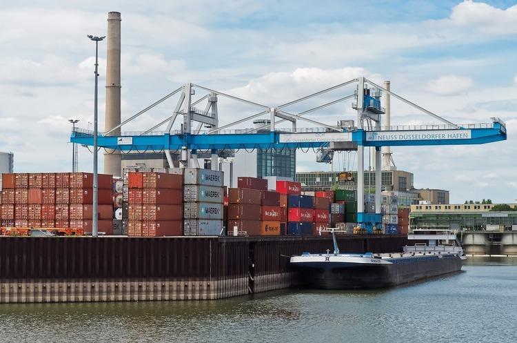 Іноземний інвестор відмовився від проекту в порту Южний через здирництво