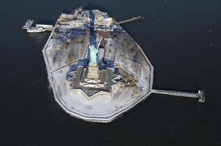 Статую Свободи закрили для відвідувачів через політичну кризу в США