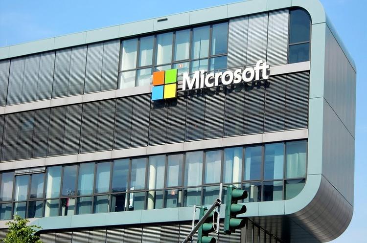 Санкції США обмежують продаж продукції Microsoft сотням російських компаній
