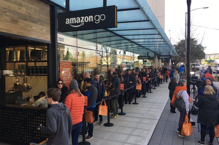 У перший магазин Amazon «без черг» вишукувалася черга