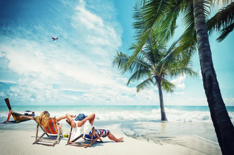 Закуріння напляжах Таїланду туристи ризикують загриміти до в'язниці