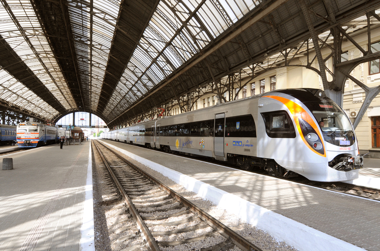 «Укрзалізниця» планує підвищити ціни на квитки з 1 квітня на 10%