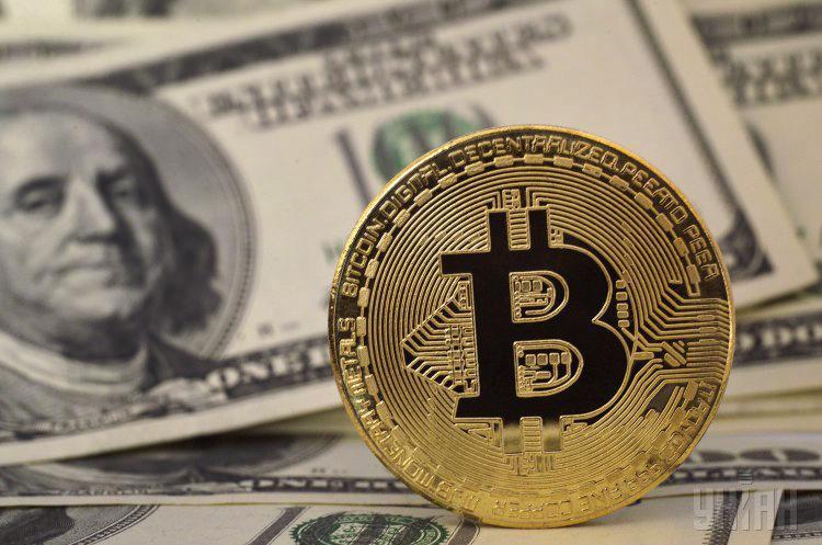 Аналіз криптовалют: курс біткойна дістався зони консолідації вище $8250