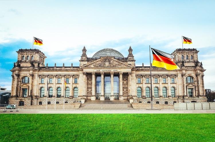 Бундестаг: Німеччина візьме «активну участь» у разі оголошення місії ООН на сході України