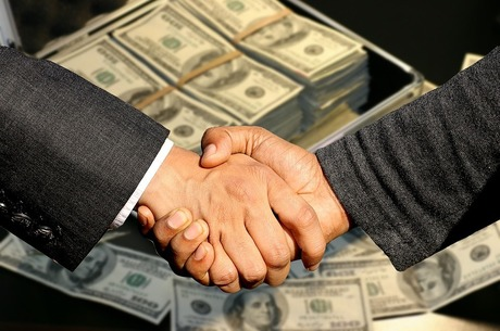 Кому важливі новації в корпоративних договорах?