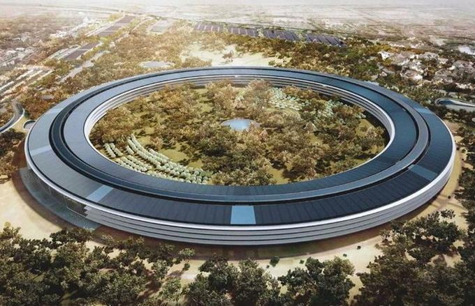 У новій штаб-квартирі Apple співробітники постійно б'ються об скляні стіни