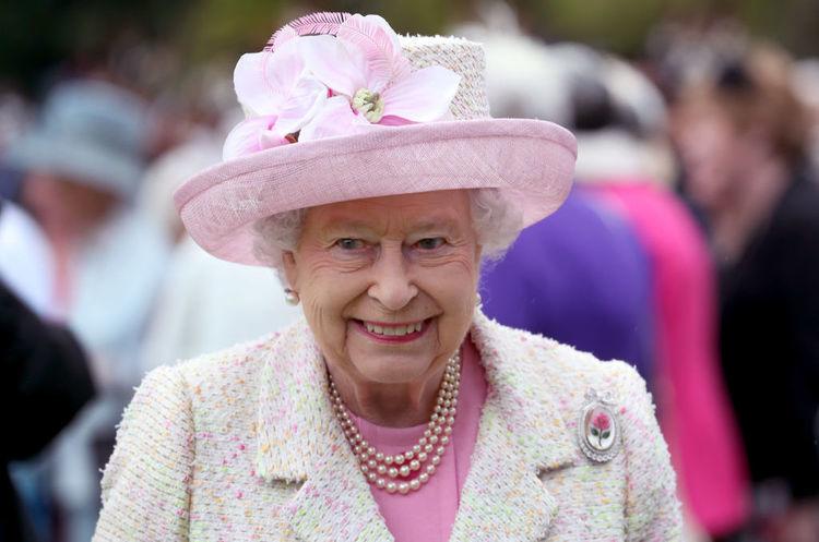 Королева Єлизавета ІІ орендувала землю в центрі Києва на 49 років