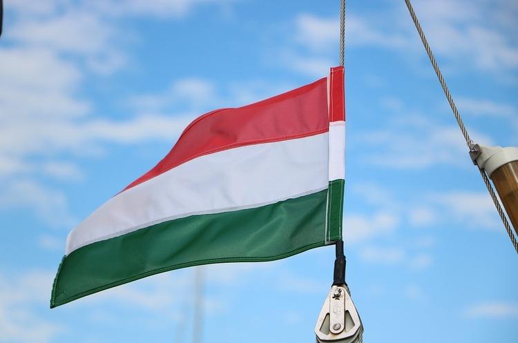 «Ідіот збожевільними ідеями»: голова МЗС Угорщини образив свого колегу зЛюксембурга
