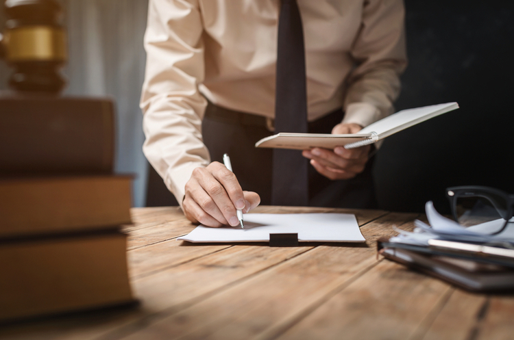 Тарасова гора паперів: як скористатися чат-ботом під час заповнення е-декларації
