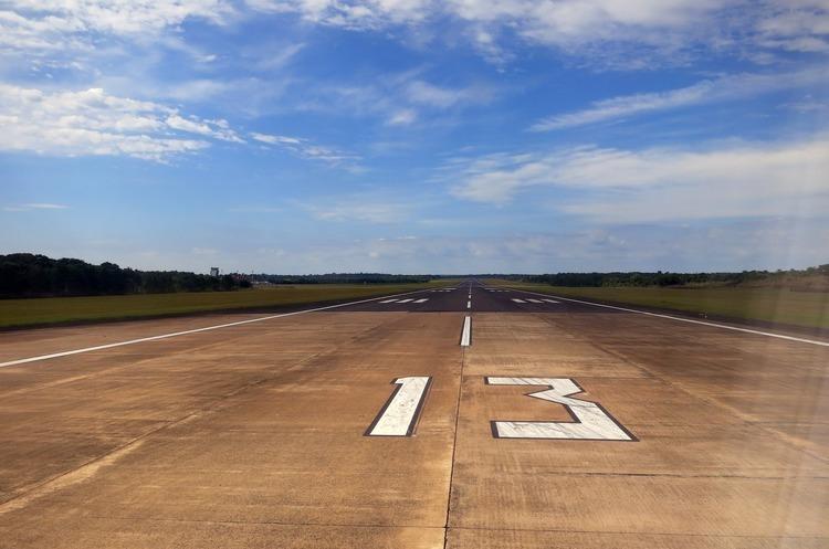 Реконструкцію смуги в аеропорту Одеса завершать до кінця року – Омелян
