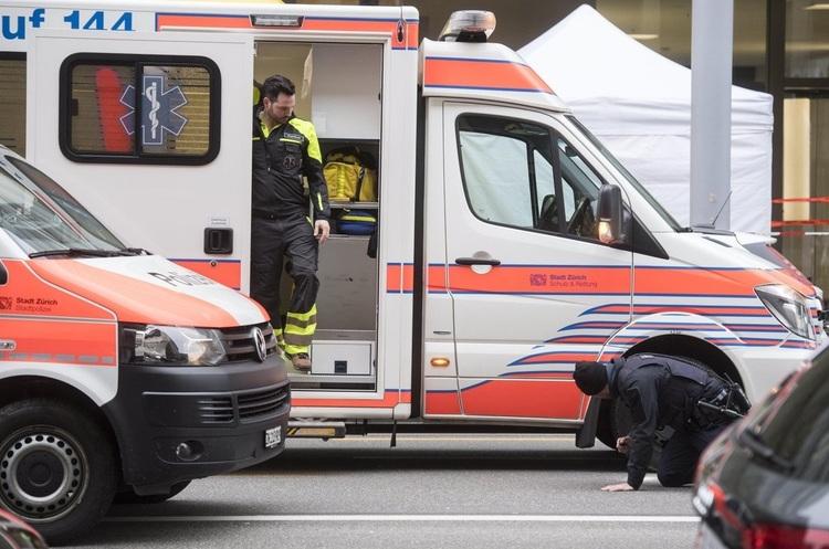 У Цюриху серед білого дня біля банку застрелено двох людей